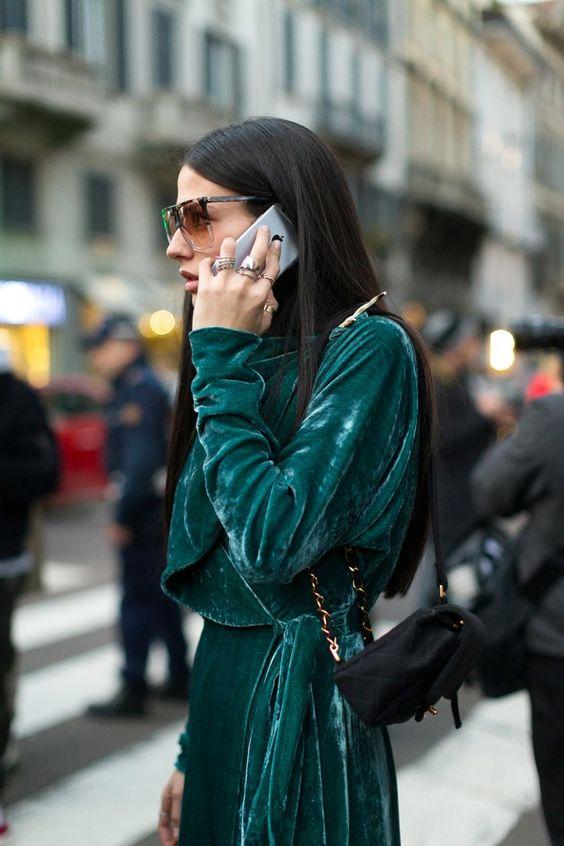 Бархатное изумрудное платье Street Style