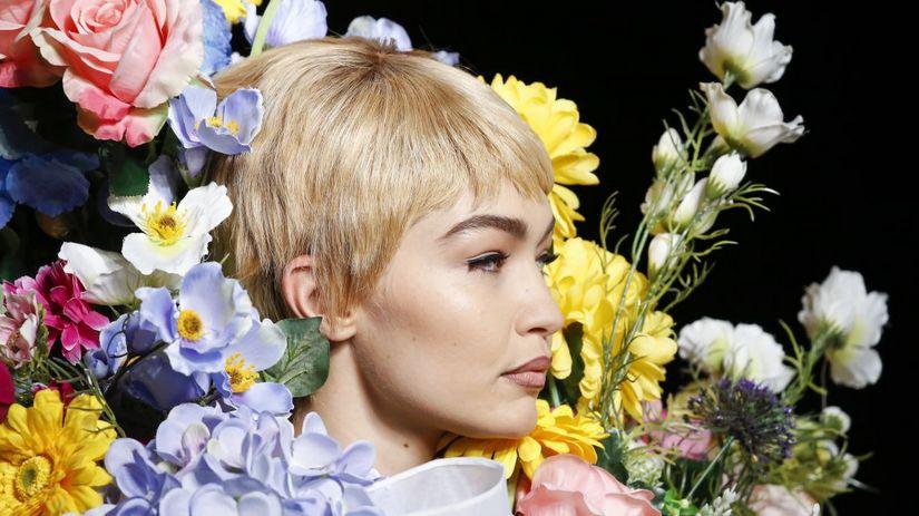 Тренд аксессуаров: серьги-цветы