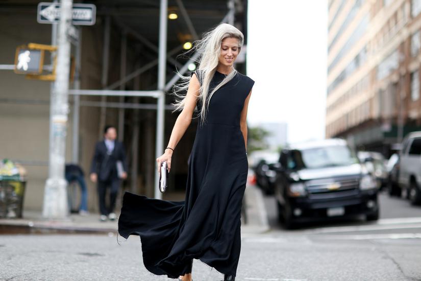 black dress summer street style