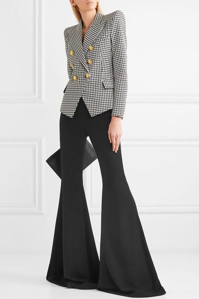 Черные брюки цвета Бальман