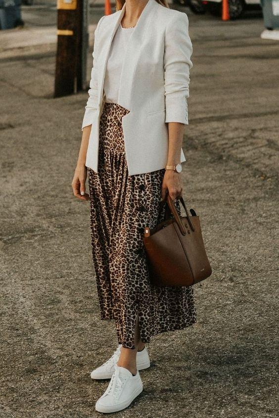леопардовая юбка с пиджаком