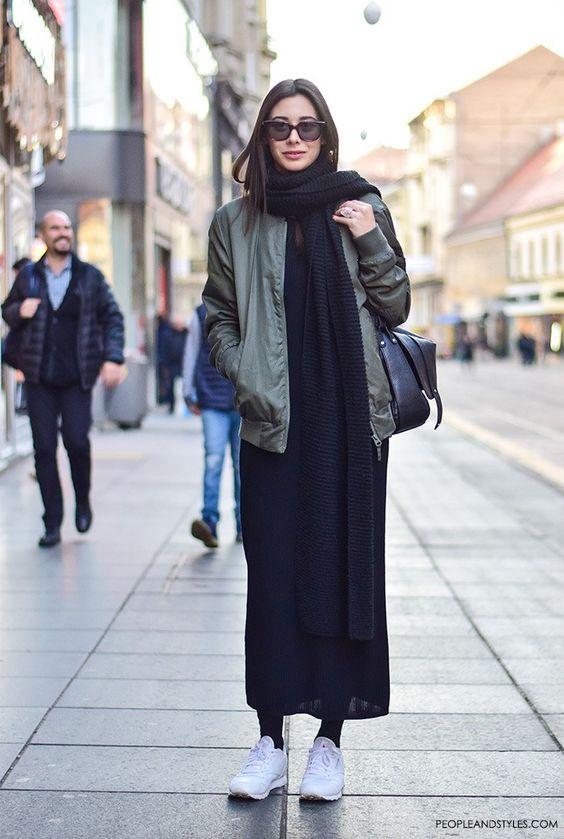 черное платье уличный стиль