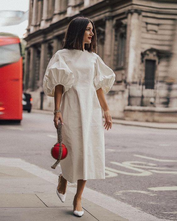 Платье миди белое с объемными рукавами
