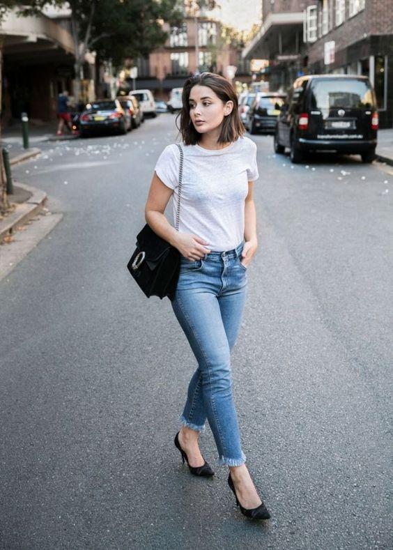 Базовые, идеально сидящие, голубые джинсы