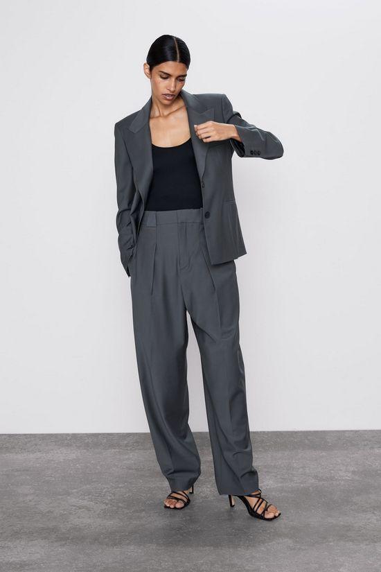 Костюм серый с широкими брюками