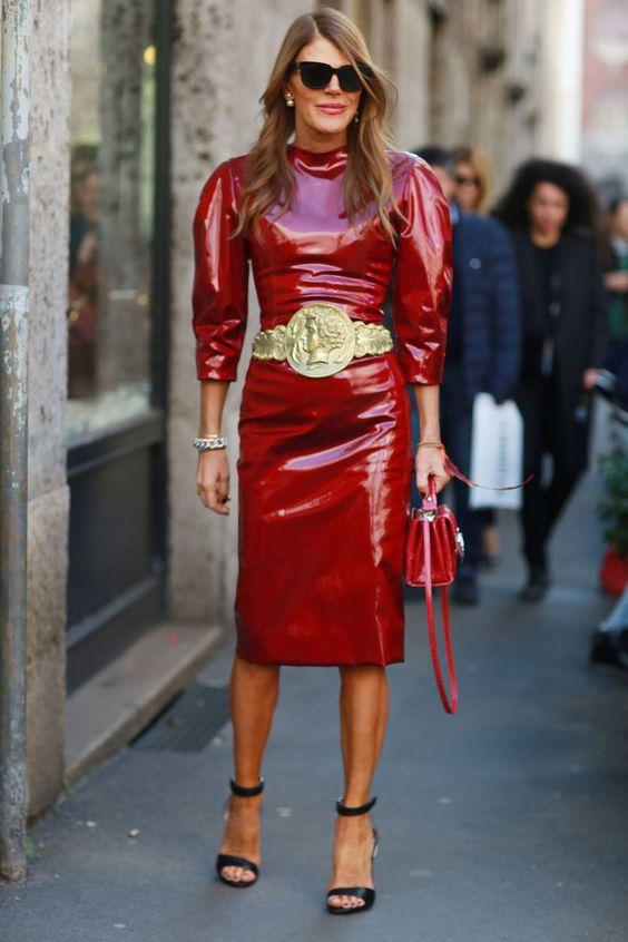 красное кожаное платье стрит стайл