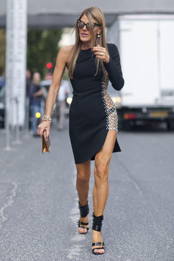 Анны Делло Руссов черном платье