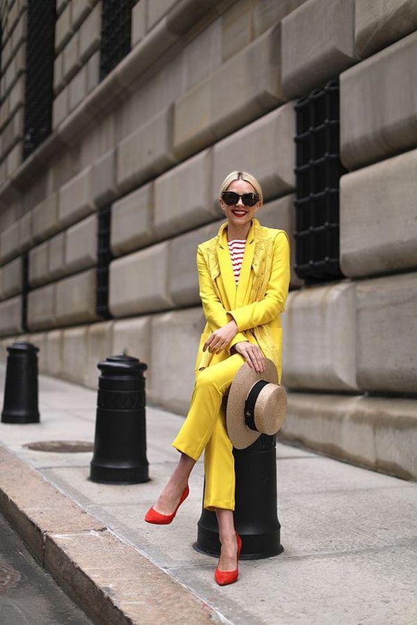 тельняшка с красными полосками в желтом комплекте